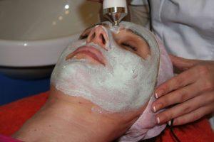 Domowe SPA, czyli jak wykonać kilka ciekawych zabiegów kosmetycznych w zaciszu swojego mieszkania