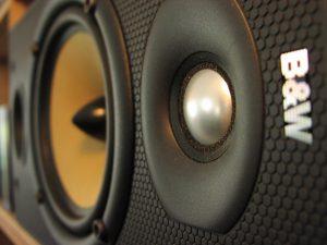Jak testować sprzęt audio w sklepie? Porady i wskazówki